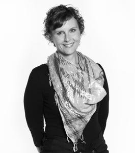 Portrait photo from Polonca Peterca, strategic designer at Vizuarna